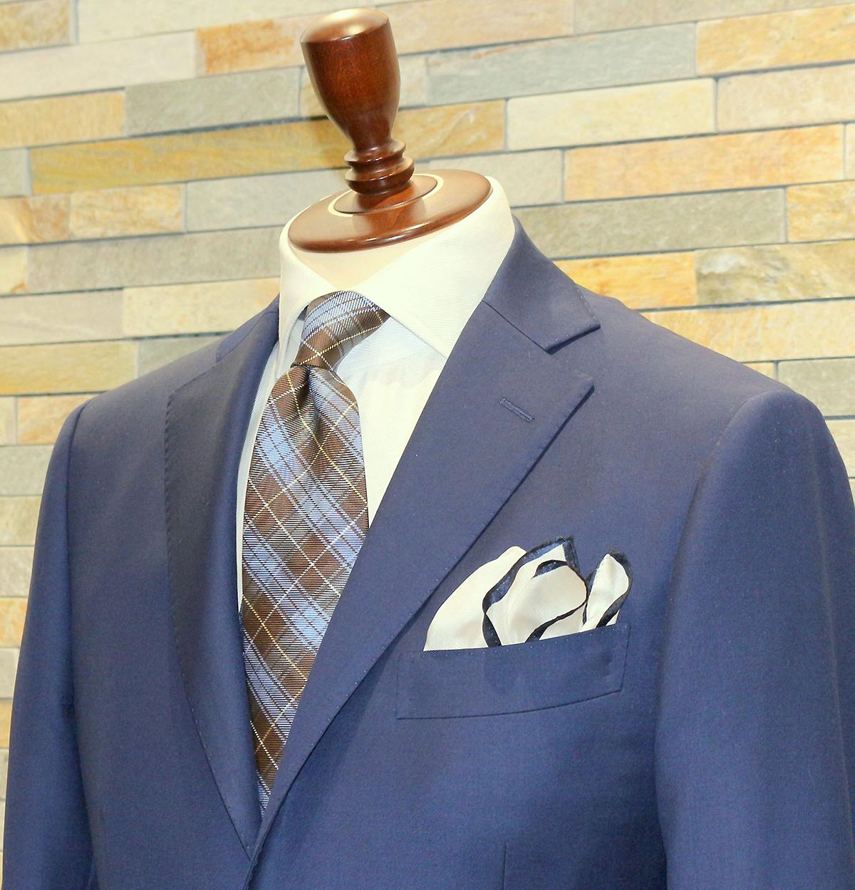 blue_suit